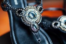 Dolce Vita • Deichmann FS18 / Von allen Fashion-Metropolen dieser Welt, gehört Italien ganz klar auf die vordersten Plätze. Italienische Mode und ihre Trägerinnen zeichnen sich durch Stilsicherheit und zeitlose Eleganz aus, sie sind einzigartig und selbstbewusst, ohne sich durch aufdringliche Designs in den Vordergrund zu stellen. Sie steht nicht nur für Qualität, es ist eine Lebensart und die italienische Persönlichkeit, die verkörpert wird - wir zeigen euch, wie ihr euch dieses Gefühl in den Kleiderschrank holt.