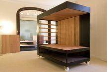 Metalcar & Design / Metal Design è una azienda artigiana che plasma il ferro, il legno, il plexiglass e tutte le leghe metalliche in forme sinuose creando pezzi unici e opere d'arte per l'arredamento interno ed esterno