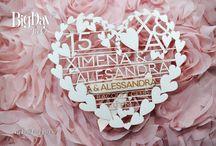 15 años: Ximena y Alessandra / Ximena y Alessandra celebraron fastuosamente sus 15 años…Te compartimos el set de invitación calada en cartulina metalizada marfil y pulsera en listón nude toques en oro que creamos para ellas, ¡bellísimo!