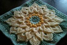 Virkatut neliöt / Crocheted squares