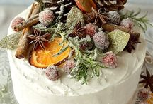 Christmas Cakes We Love / A handpicked collection of Christmas cakes we love at Silver Celebrations London!