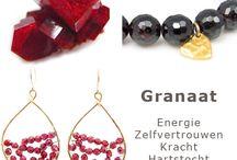 InTu jewelry edelstenen / Op de InTu jewelry website kan je ook makkelijk zoeken op edelsteen soort. Kijk naar de afbeeldingen van de edelstenen. Welke spreekt je direct aan? Welk kristal trekt direct je aandacht? Klik hem aan om de bijbehorende energie en spirituele betekenis te lezen. Volg je InTuïtie ! Je zal zien dat deze edelsteen op dit moment precies goed voor je is….. verbazingwekkend of niet…dat is hoe energie werkt! .