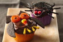 Halloween Food and Party / by Amanda Longo