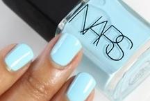 Nails / by Marily Og