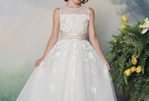 Brudepiker kjoler