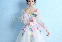 Beautiful Dresses / Поиск красивой одежды
