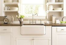 FARMHOUSE SINK LUV / One of these beauties will be in my next kitchen....I can't imagine my new house without one!  luv these sinks! / by Desiree Aaron