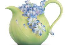 Tea Pots / Always promised myself a collection of tea pots....