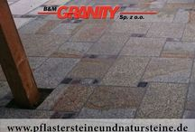 """Frostbeständige Platten aus Natursteinen (Granit, Sandstein, Schiefer..) / Firma B&M GRANITY bietet diverse Natursteinplatten an. Platten können so...unterschiedlich sein: """"normale"""" /neue, gesägte Platten, zusätzlich geflammt, poliert, gestockt usw./, Polygonalplatten, Krustenplatten, """"Gredplatten""""  (""""Antikplatten""""). Natursteinplatten aus Granit, Schiefer, Sandstein, Serpentin…Diese Vielfalt ermöglicht unseren Kunden eine interessante und einmalige Umgebung (Innen- und Außenbereich) zu gestalten. Man kann unterschiedliche Materialien zusammenmischen…"""