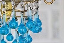 Gotas de cristal · Glass drops / Lámparas de techo antiguas con preciosas gotas de cristal de colores. [] Vintage chandeliers with the most beautiful color glass drops.