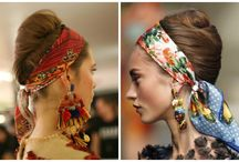 Amarrações de lenços na cabeça.