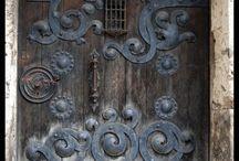 DOORS .