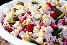 Salad's / by Lisa Carlisle