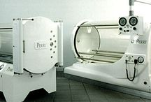 Hyperbaric Chamber windows / A hyperbaric chamber is pressurised chamber that allows for delivery of oxygen in higher concentrations for therapeutic benefit. Blanson specialises in the manufacture of large cast acrylic tubes for use in mono-place (single person) hyperbaric oxygen chambers. We also manufacture acrylic viewports for multi-place chambers (2 or more people).