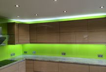 LED Glass Splashbacks / The stunning LED splashback lighting range from Bespoke Glass Splashbacks can brighten up any home with this moden twist on kitchen and bathroom lighting.