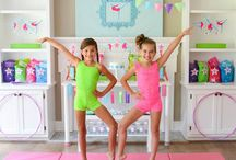 The Best Girl Parties and Girl Party Themes / A roundup of the best girl parties and party themes!  From crafts, decorations, fashion, recipes and tutorials, these are the BEST ideas out there!