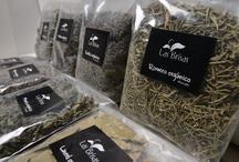 Hierbas aromáticas / Hierbas aromáticas disecadas orgânicas. Convertiran tus platos cotidianos en exquisitos manjares!