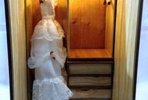 http://articulo.mercadolibre.com.ar/MLA-673355613-mueble-ropero-de-munecas-a-escala-barbie-_JM