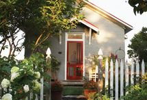 Cottages & Tiny Houses / by Doreen Knudsen