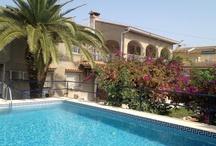 villa isabel / Chalet privado de dos plantas en la playa de Oliva a 200 escasos metros del mar con terraza lounge y area BBQ todo planeado y preparado para hacer las delicias de tus vacaciones