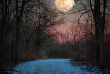 Beautiful Moon, Crescent Moon, New Moon, Full Moon, / Moon images. Moon celebrations. Moon food. Moon folklore. Moon Recipes.