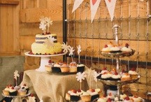 Table set up and display / decorating a table for cupcakes at a market