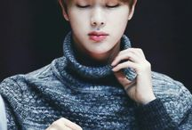Jin•-•