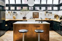 Celebrity Kitchens with Incredible Style / Celebrity Kitchen Decor Inspiration
