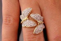 lovely rings / ...