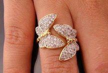 lovely rings / ...
