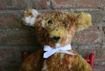 Stearnsy Huggy Bears / Stearnsy Huggy Bears...We' old softies We're lightly stuffed. Just right for kids of all ages, the young and the young at heart. We're around 17 inches, with a jointed head and made from a wide variety of materials...From $20 to $30.