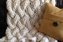 arm knitting/finger crochet