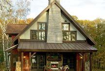 barn homes / by Shawnna Wheeless