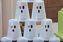 Halloween Party / Host the perfect Halloween party with these Halloween themed foods, Halloween decor, and spooky decorations.