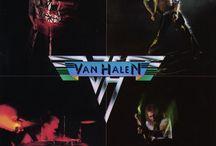 Van Halen Discografia / I Van Halen, in origine Mammoths, sono un noto gruppo hard & heavy statunitense originario di Pasadena, che prende il nome dal chitarrista Eddie van Halen e da suo fratello, il batterista Alex Van Halen.    Membri: Eddie van Halen, Alex van Halen, Wolfgang Van Halen,  Cantanti: David Lee Roth (1974–1985) Premi: MTV Video Music Award al video dell'anno