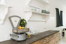 Keukens / Inspirerende foto's van keukens waarin gewerkt is met oud hout.