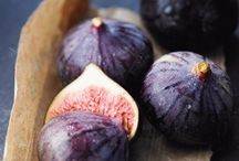 Fresh Fruit / The World's Healthiest Foods  ( http://goo.gl/5PxMq )  According to Roman myth, the wolf that nurtured the twin founders of Rome, Romulus and Remus, rested under a fig tree. During this period of history, at least 29 varieties of figs were already known.