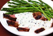 Flank Steak With Peppercorn Cream Sauce | gimmesomeoven.com / Flank steak