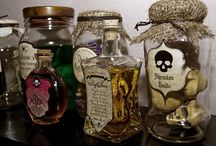 Halloween Decorations / by Suzanne Williams Hale