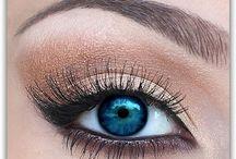 Make-up / by Jocelyn Oveson