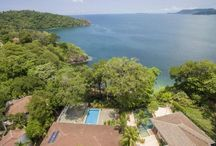 Luxury beach homes for sale in Costa Rica / Here you can find photos of Luxury beach homes in Costa Rica, in the North Pacific, Nicoya Peninsula, Central Pacific, South Pacific and Caribbean beach areas.
