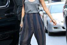 Singer : Rihanna