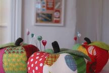 Sewing Rooms / Apple pin cushion