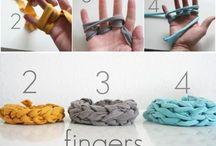 School finger knit