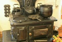 Old Stoves / by Lynne Hantverk Einhorn