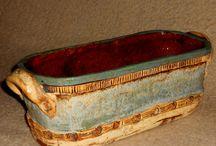 MOJE KERAMIKA / ručně modelované kameninové truhlíky, vhodné ven i dovnitř,, na rostliny nebo na něco jiného, třeba na pečení  chleba nebo zapékání