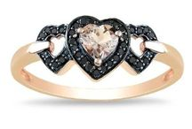 rose gold jewelry trend / Black Diamond Engagement Rings that Rock | The rose gold jewelry trend