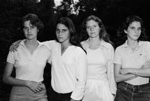 4 Sisters Take a Picture Every Year – 1975 through 2010 / Photographer Nicholas Nixon had these four sisters take a picture every year between 1975 and 2010. In each photo, the Brown Sisters pose in the same order — Heather, Mimi, Bebe, and Laurie. This one was clicked in 1975.  New Canaan, Connecticut