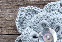 crochet hat and aplique