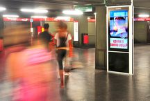 Digital Signage / From restaurants to undergrounds, from movie theaters to public organizations; these days digital signage is extensively used in many environments. DOOH.IT knows how to project and manage Digital Signage Networks for different sectors. This is our core solution, reliable, efficient, and based on years of experience.
